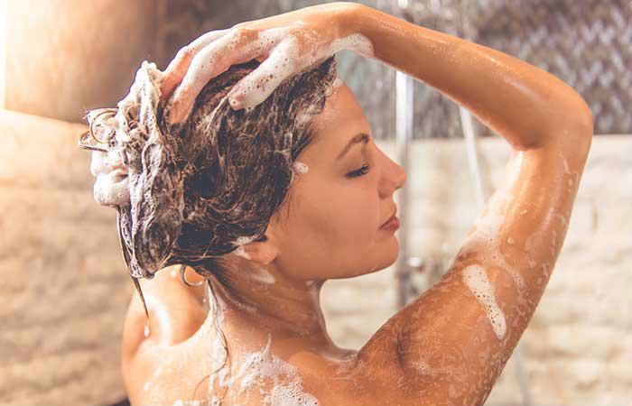 como-conseguir-um-cabelo-saudavel -e-bonito-no-inverno-banho