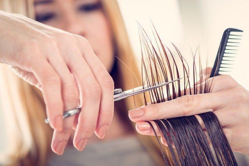 cortar-as-pontas-do-cabelo-porque-e-tao-importante-pontas-duplas-corte