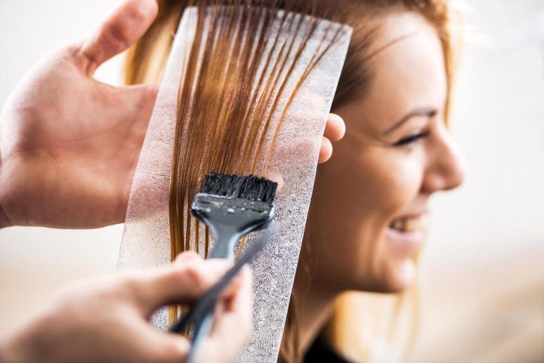 cortar-as-pontas-do-cabelo-porque-e-tao-importante-pontas-duplas-quimica