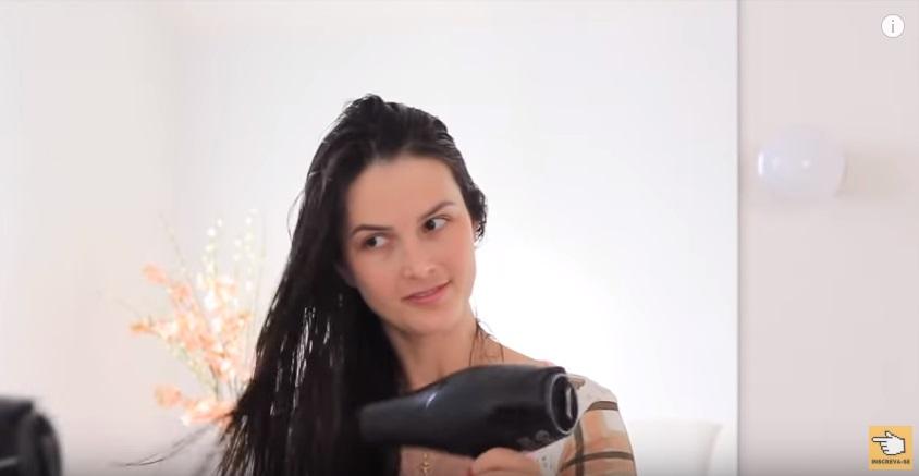 reconstrucao-caseira-para-cabelos-danificados-gastando-apenas-sete-reais-secador
