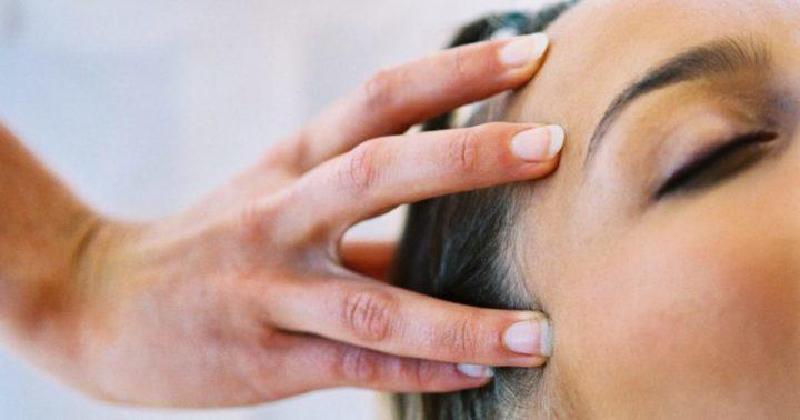 cabelo-com-crescimento-assimetrico-qual-e-o-motivo-dicas-para-igualar-os-fios-massagem