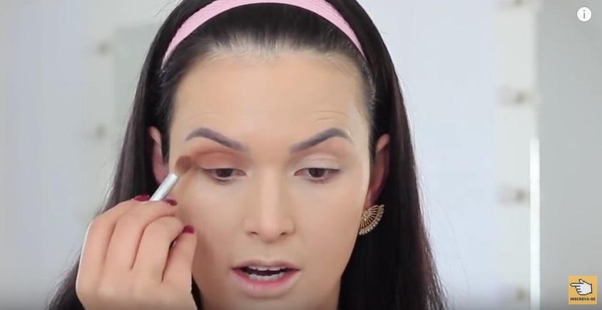 maquiagem-para-iniciantes-a-make-que-eu-mais-uso-na-vida-po-sombra-aplicacao