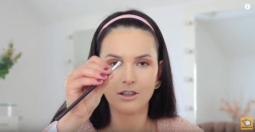 maquiagem-para-iniciantes-a-make-que-eu-mais-uso-na-vida-po-sombra-pincel