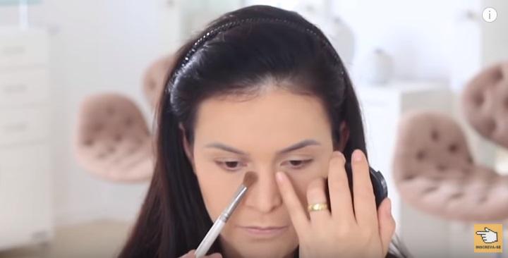 maquiagem-para-iniciantes-2-como-fazer-make-para-noite-festa-contorno-nariz