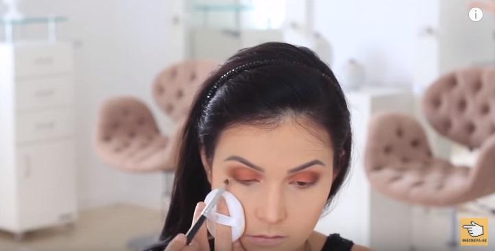 maquiagem-para-iniciantes-2-como-fazer-make-para-noite-festa-marron