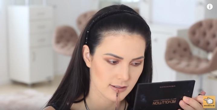 maquiagem-para-iniciantes-2-como-fazer-make-para-noite-festa-sombra-batom