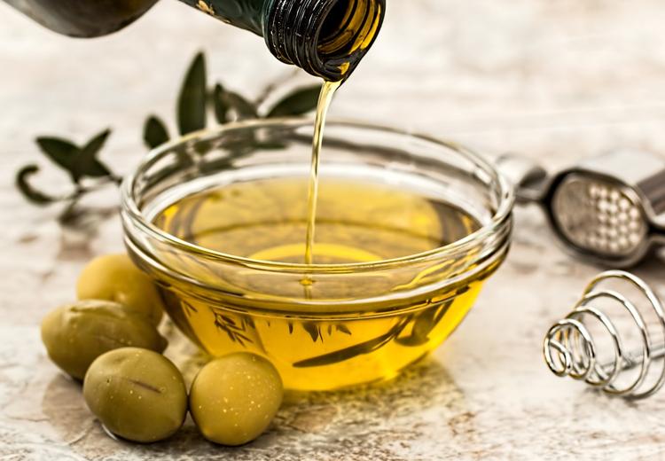Como hidratar o cabelo com azeite de oliva - Passo a Passo