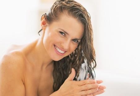 Como deixar o cabelo sedoso naturalmente com mel