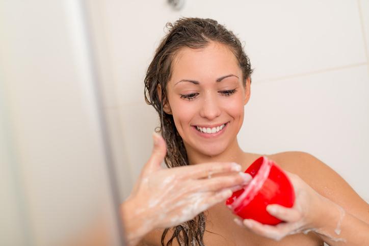 Como fazer uma hidratação no cabelo com creme