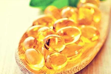 Como o óleo de cártamo age no organismo?