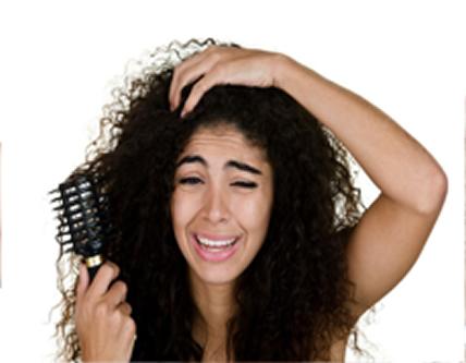 Por que meu cabelo embaraça tanto quando lavo