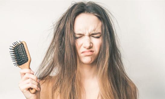Por que meu cabelo quebra as pontas