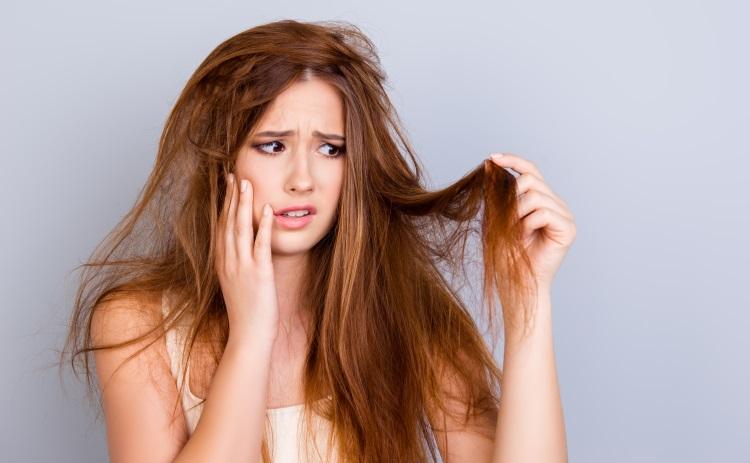o-que-pode-deixar-o-cabelo-elastico-e-como-recuperar-receita-caseira