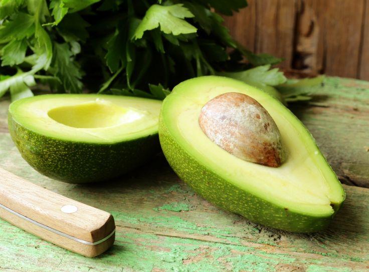 hidratacao-que-faz-cabelo-crescer-abacate
