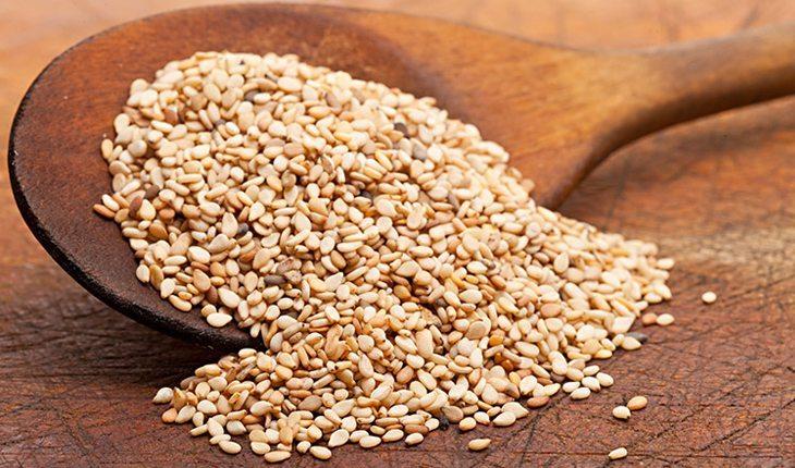 beneficios-do-gergelim-e-como-usar-no-cabelo-sementes