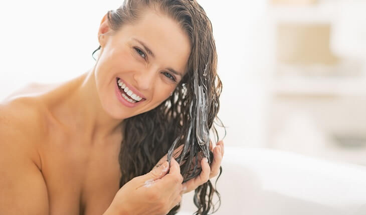 hidratacao-que-faz o-cabelo-crescer-aplicacao
