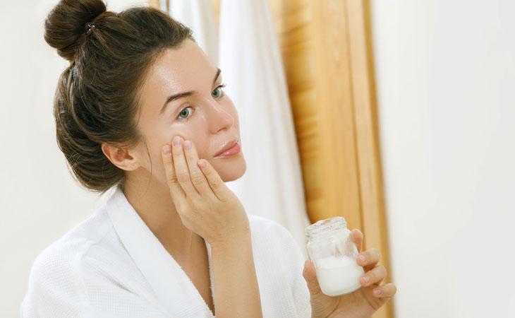 pele-oleosa-como-escolher-o-hidratante-correto-e-como-cuidar-hidratar