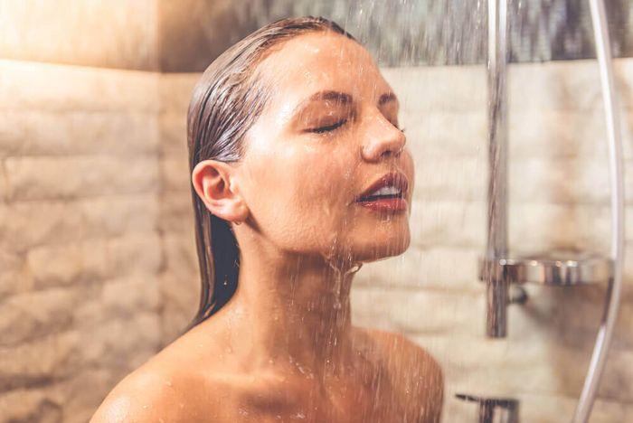 pele-seca-do-rosto-como-hidratar-e-cuidar-agua-quente