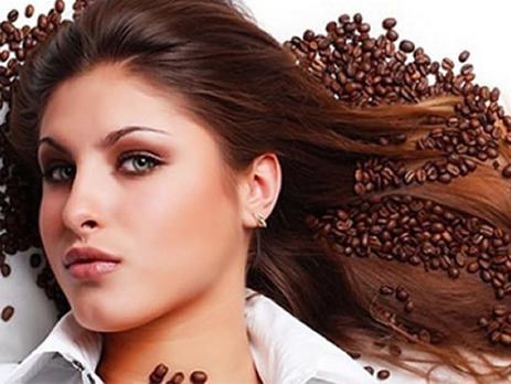 Alisamento caseiro com café