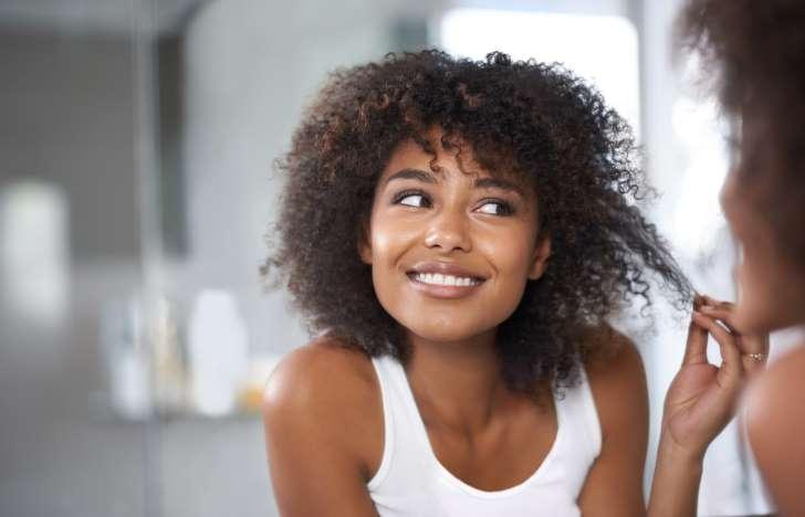 melhor-receita-caseira-para-cabelos-crespos-ressecados-aplicação